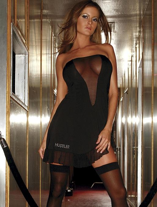 Соблазнительное платье без бретелей